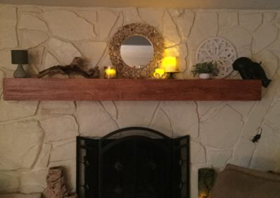 Mantel Decorated 1